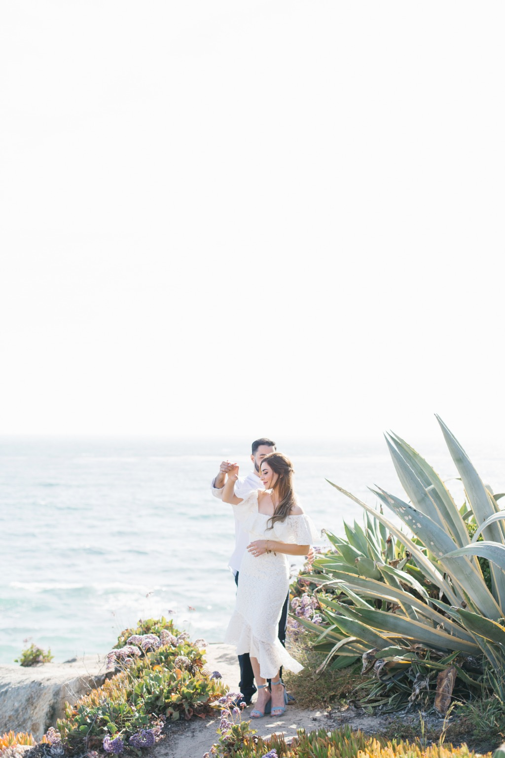 I've got engagement sessions on the brain this week! Just loved the breezy seaside vibes from this Laguna Beach session. BONUS: head