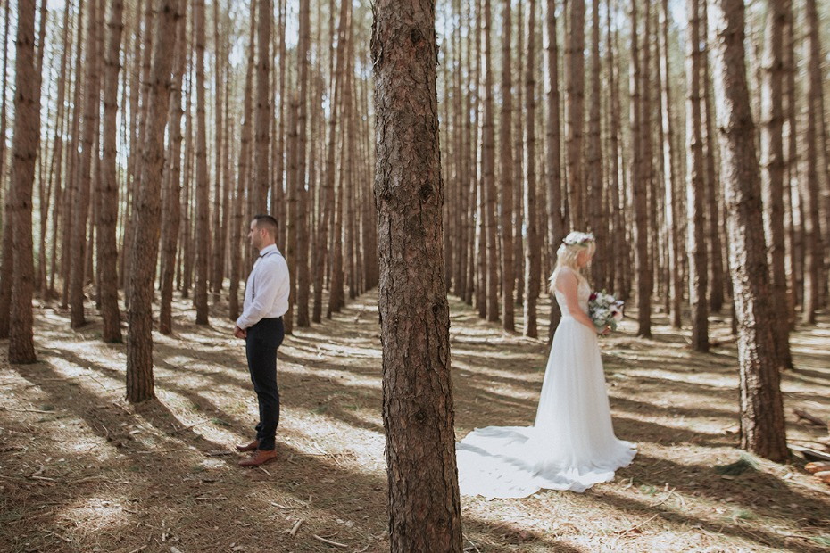 romantic wedding photos in the woods