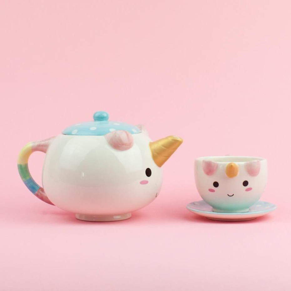 unicorn teapot - the perfect gift for your flower girl