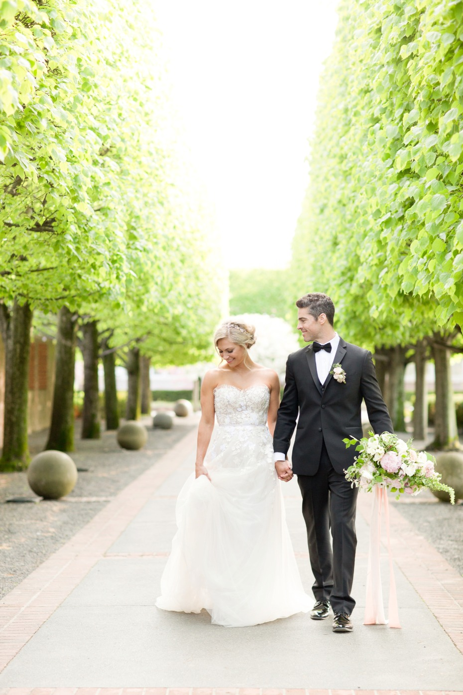 Luxurious garden wedding ideas