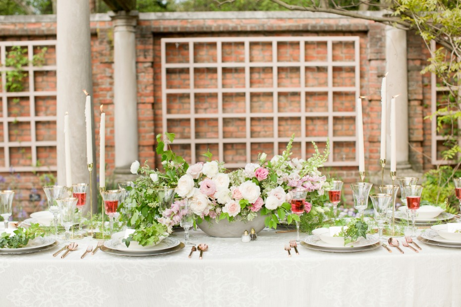 Garden reception table decor