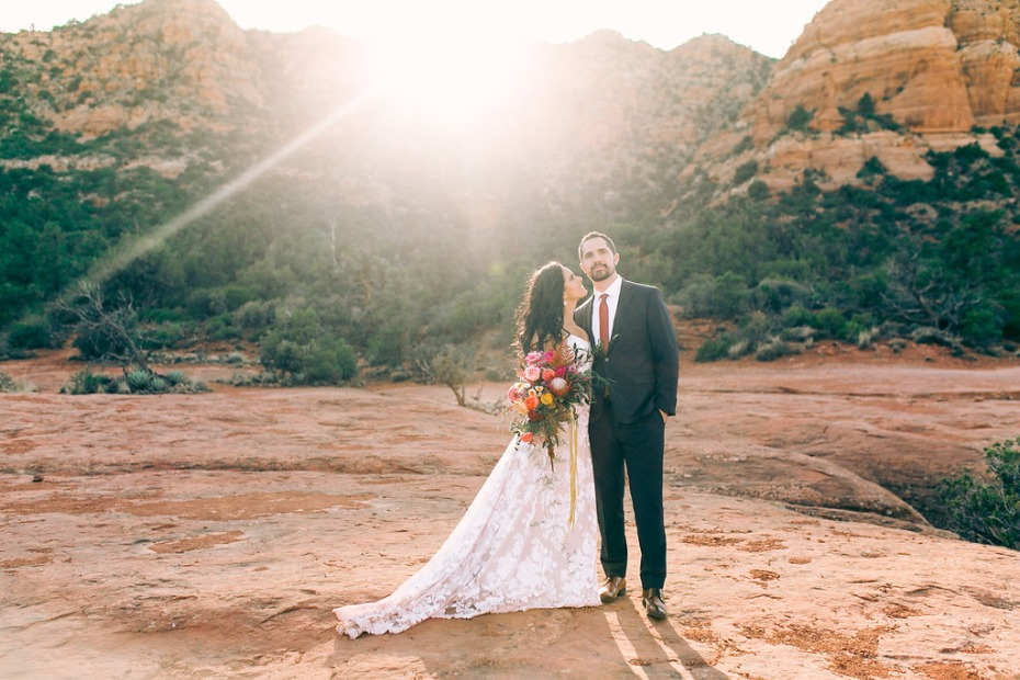 wedding couple in the desert