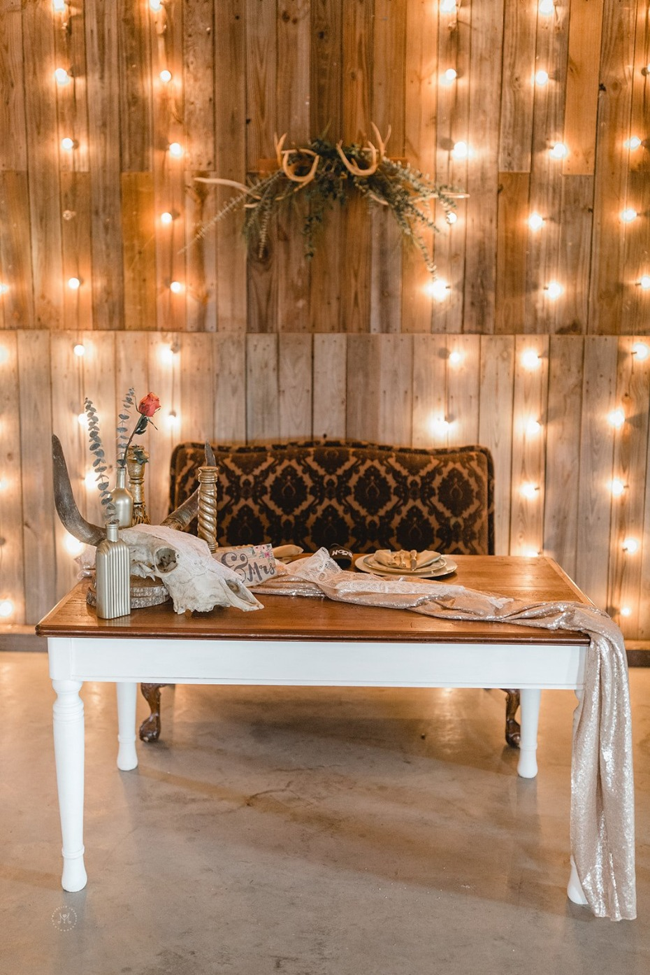 Country rustic sweetheart table
