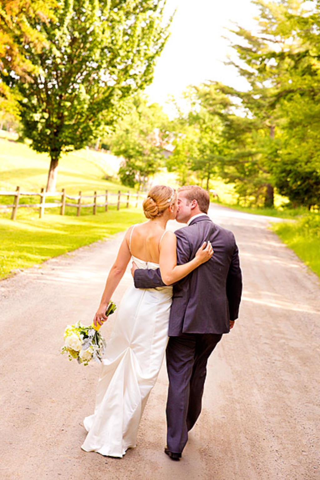 10% OFF RATES + NO TRAVEL FEES ! - NOW EXCLUSIVELY FOR WEDDING CHICKS BLOG READERS !