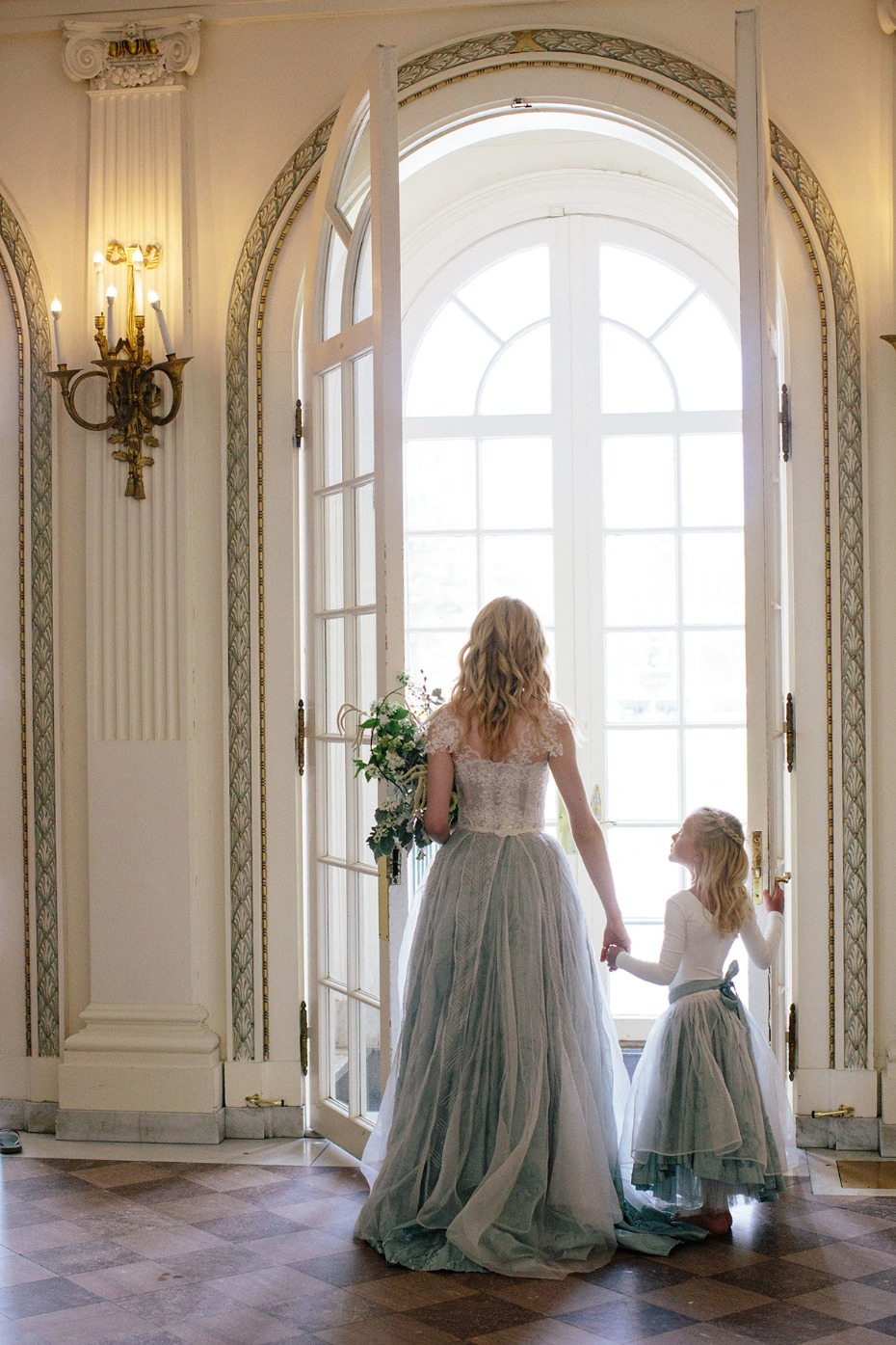 sweet bride and flower girl style
