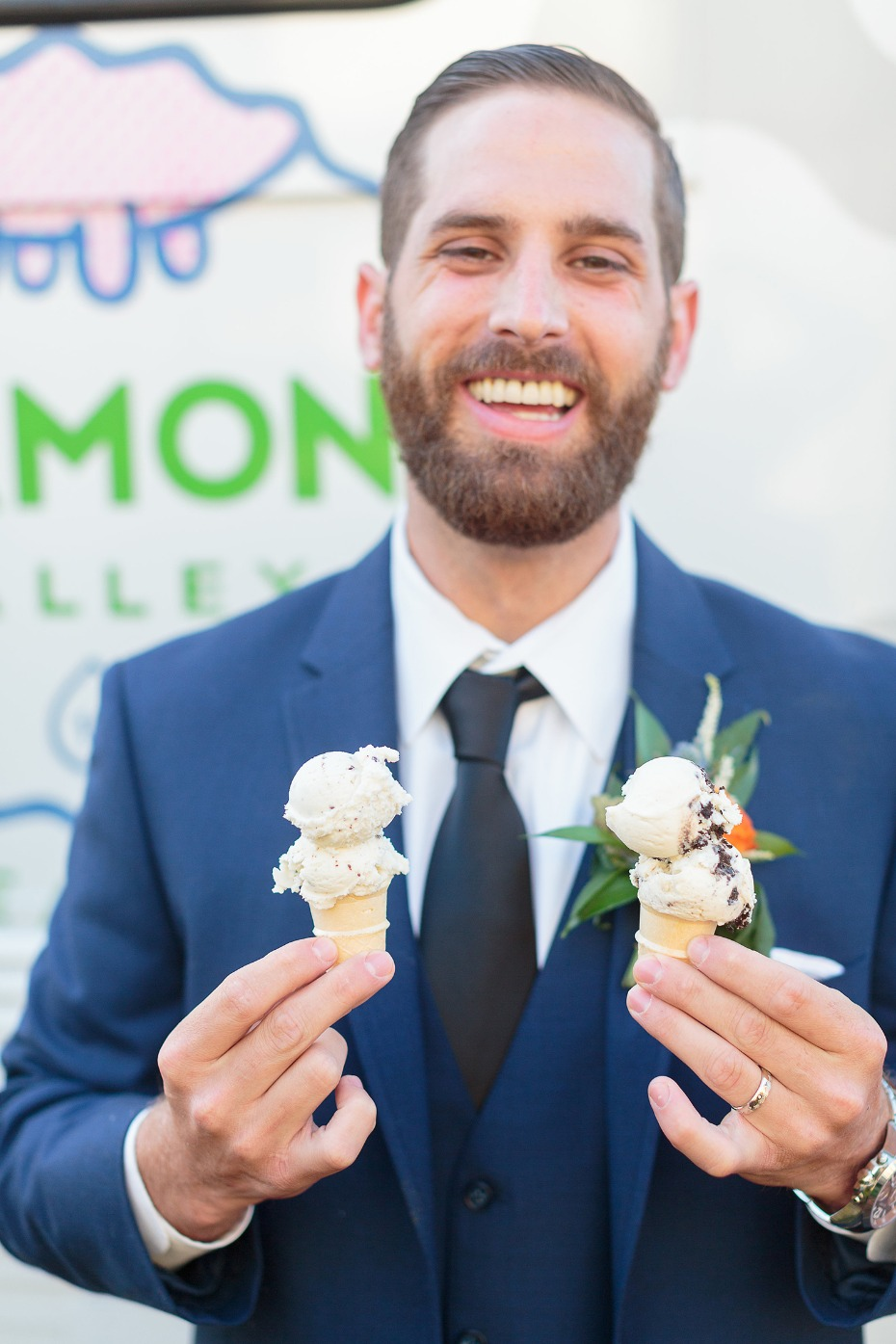 Get an ice cream truck for your wedding