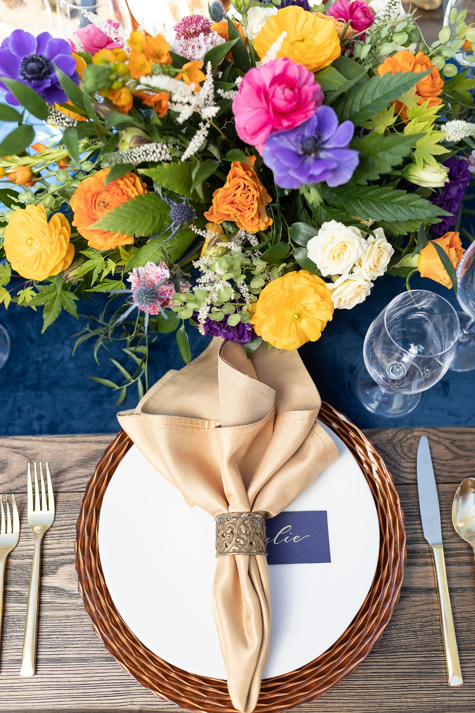 Chic place setting idea