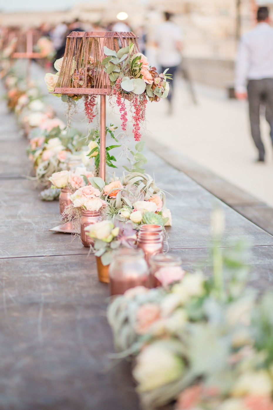 Wedding centerpiece in rose gold