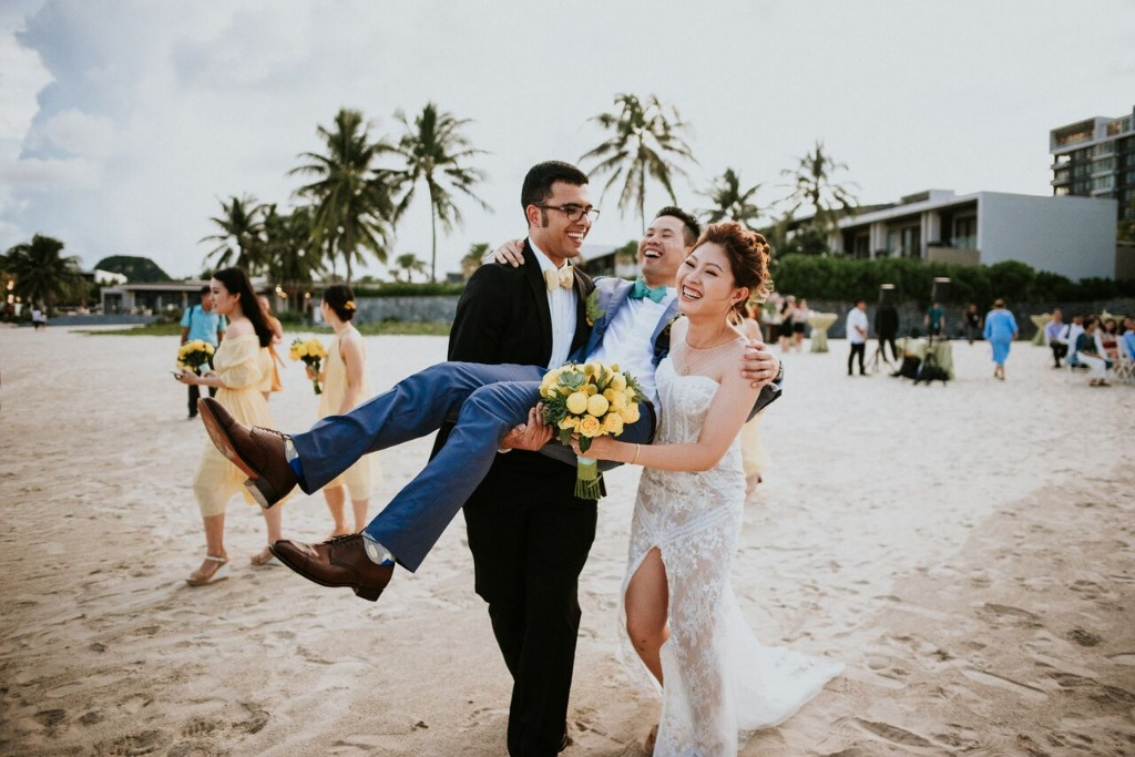 Beach weddings are so much fun! Does getting hitched at a modern coastal city in central Vietnam with the most attractive beaches