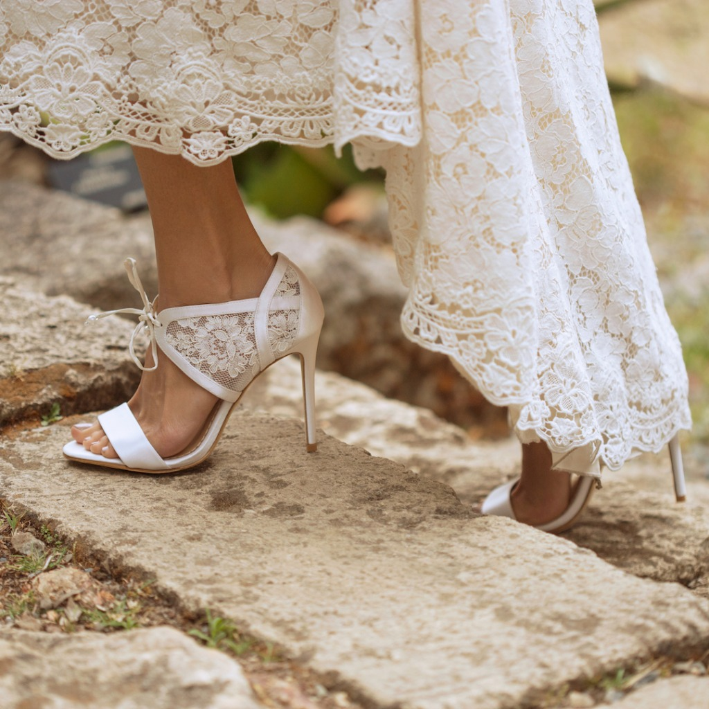 Walk this way...discover our Bella Belle Wedding Shoes Collection as well as stunning accessories. Everything you need After the Dress