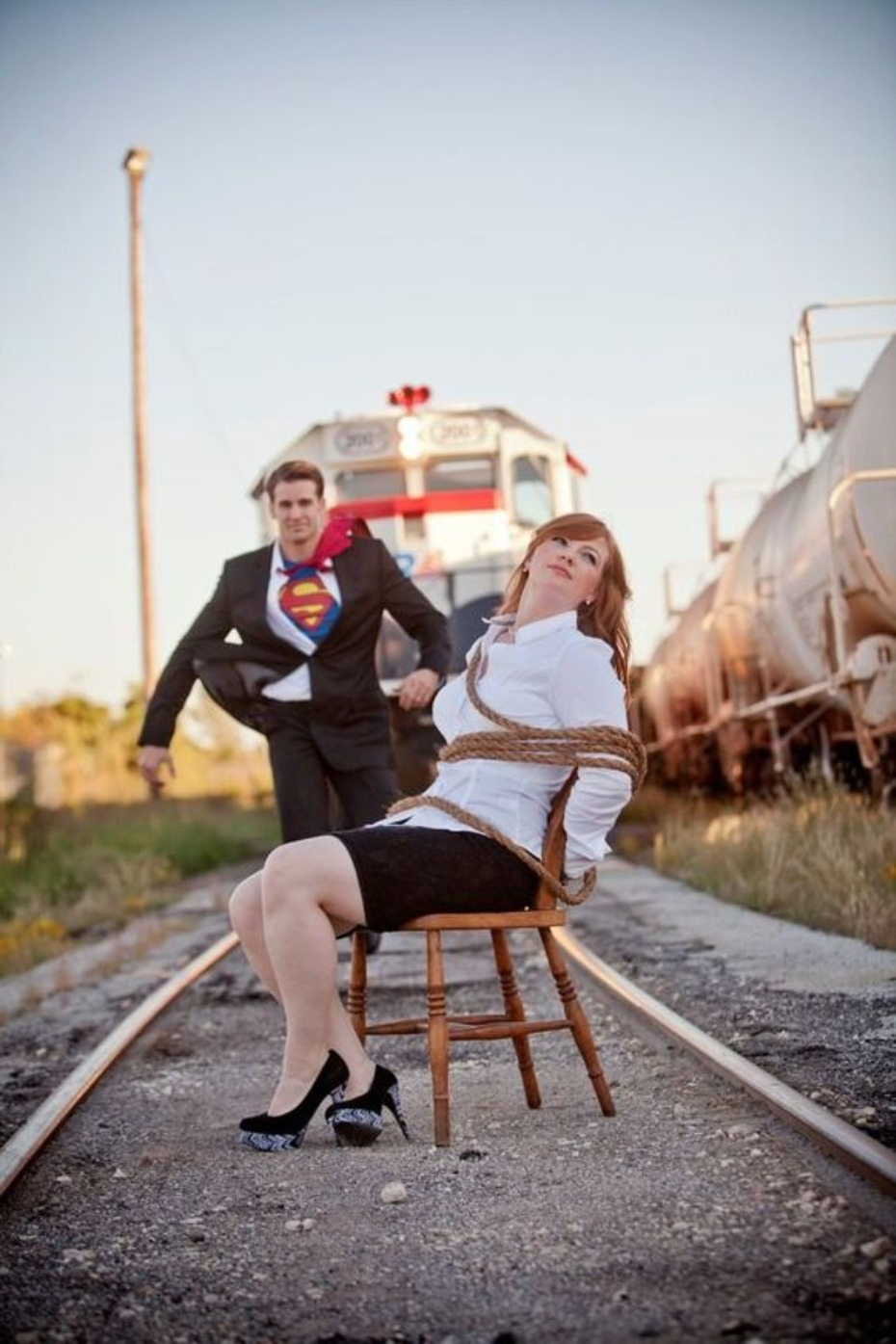 engagement-lois-lane-and-superman-train