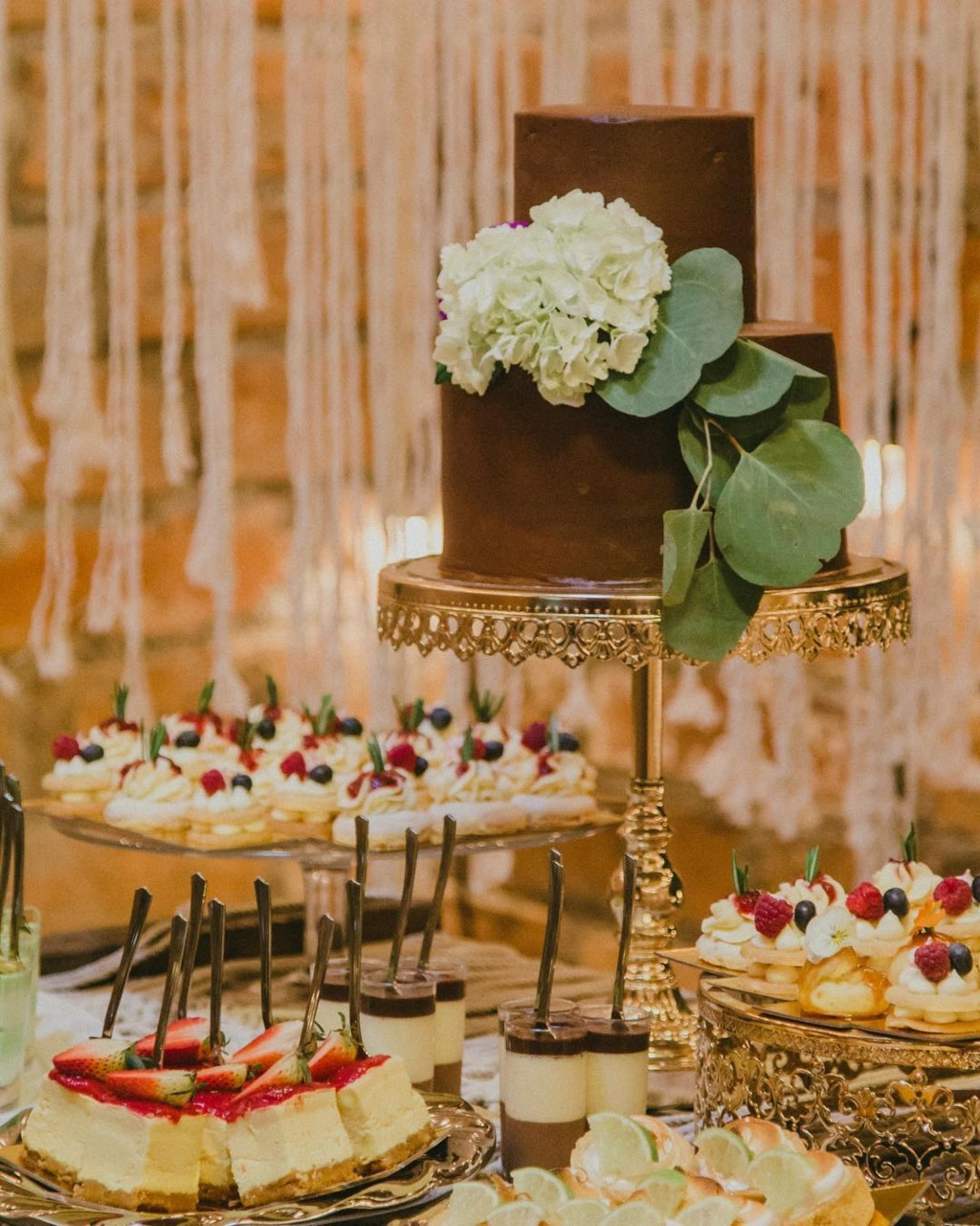 Opulent Treasures Shiny Gold Wedding Cake Stand