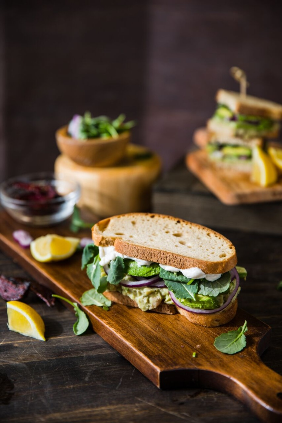 smashed-white-bean-and-avocado-club-with-beet-dipp