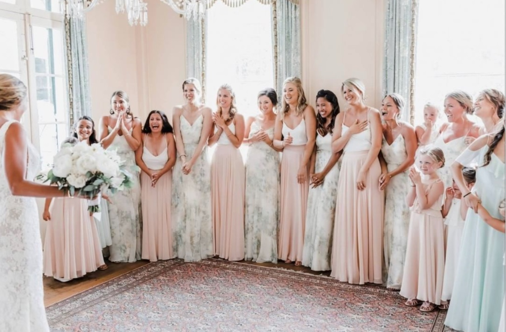 Best friends in a nutshell 💕 featuring an all #jennyyoo bridal party! #jennyoobridesmaids #jycseparates #jycflowergirl