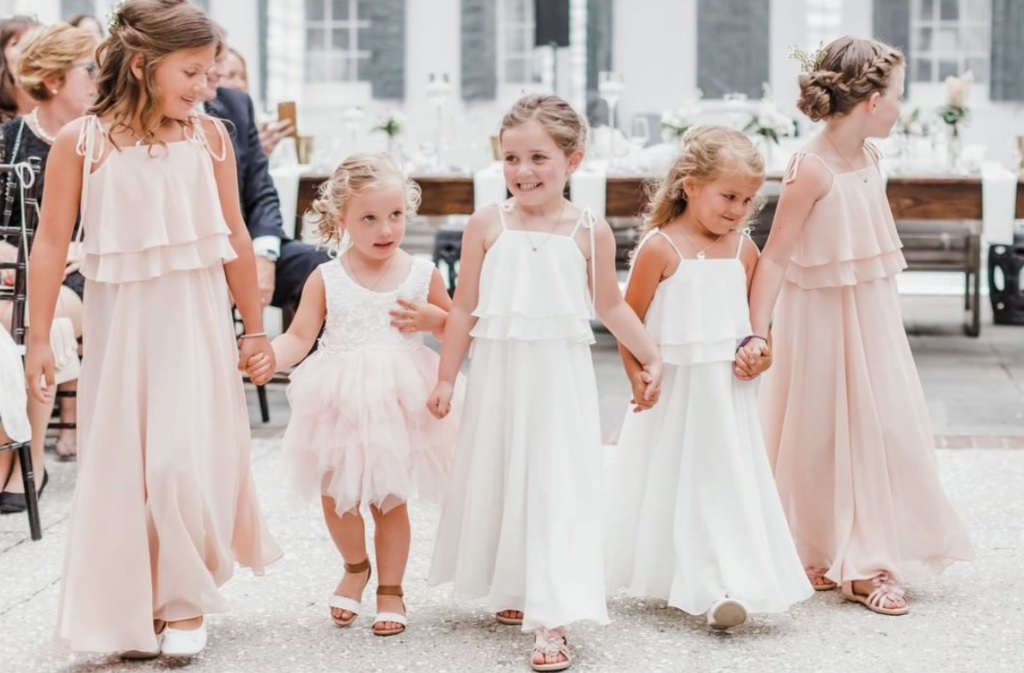 OMG, cuteness overload!! #flowergirls in our penny #jycpenny dress shown in blush + winter white 💕 #jycflowergirl #jennyyoo