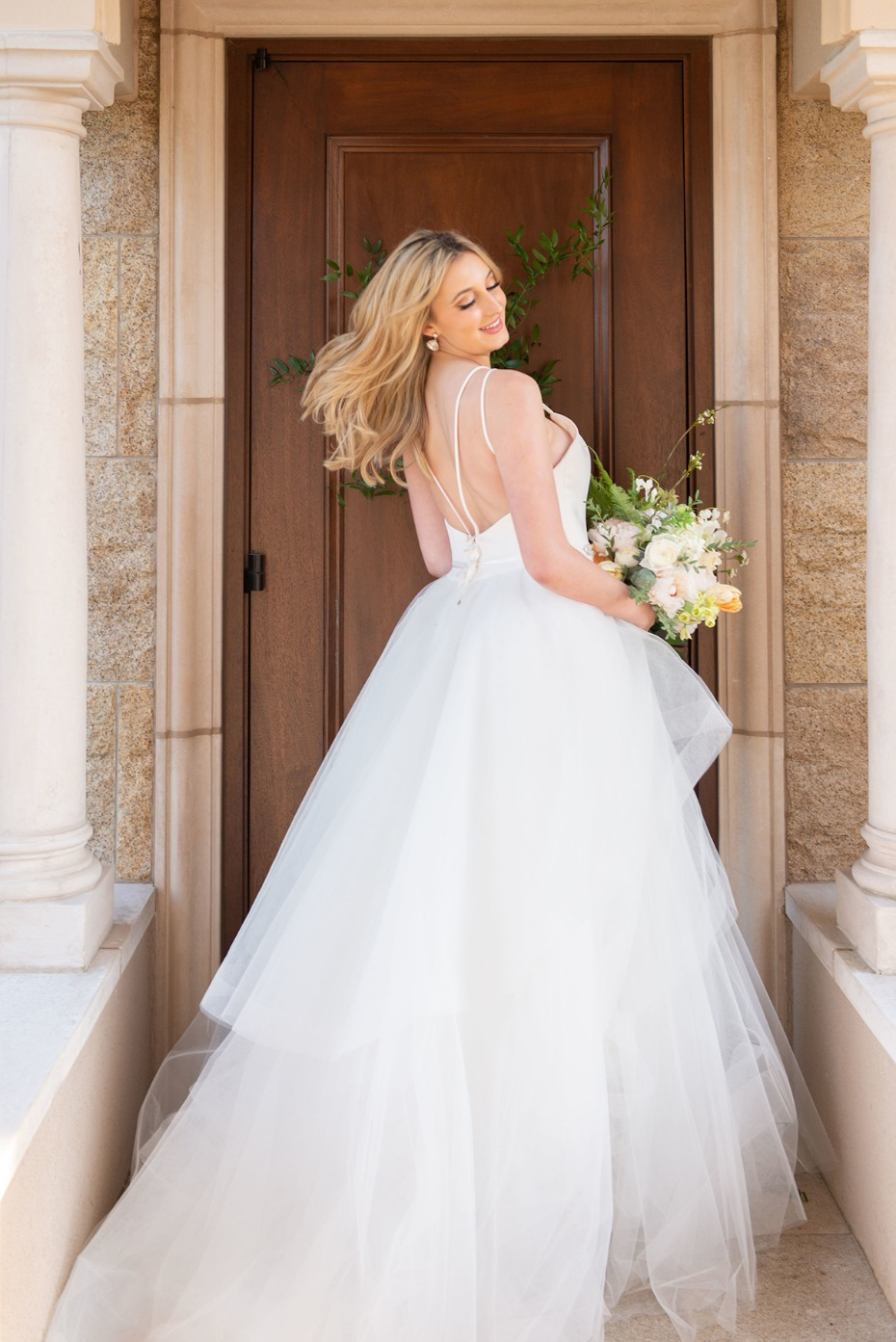 chic and glamorous bridal style