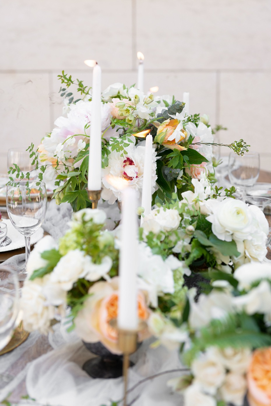 white and peach wedding table decor