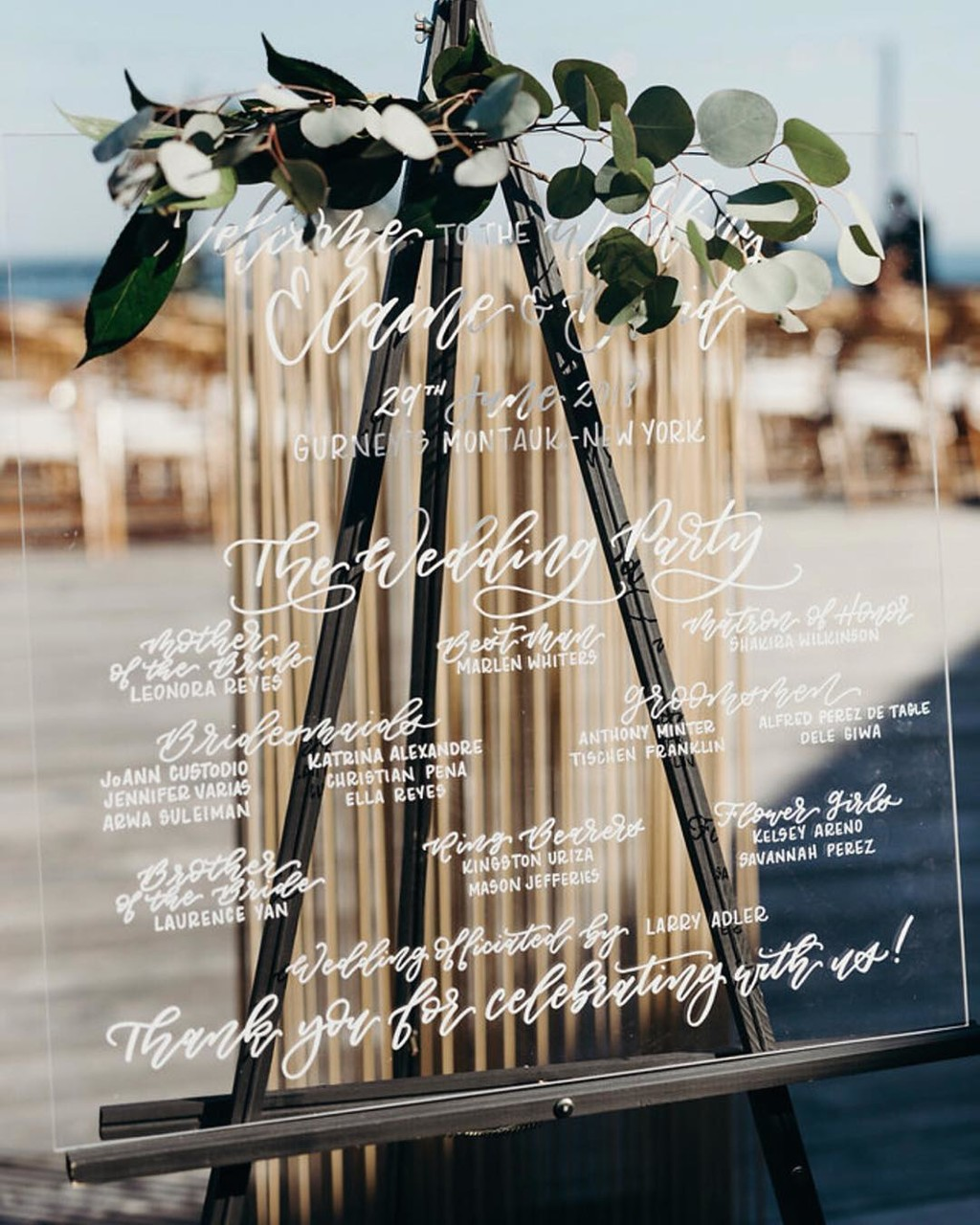 This crisp and clean acrylic ceremony sign is giving me all the beach feels this Sunday morning 👌🏻 Congratulations to Elaine
