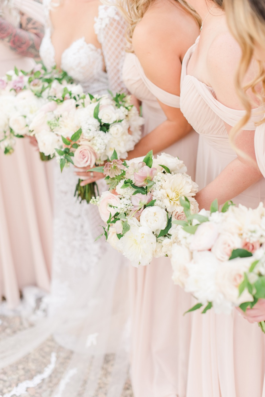 How To Have A Blush And Ivory Wedding At Calamigos Ranch