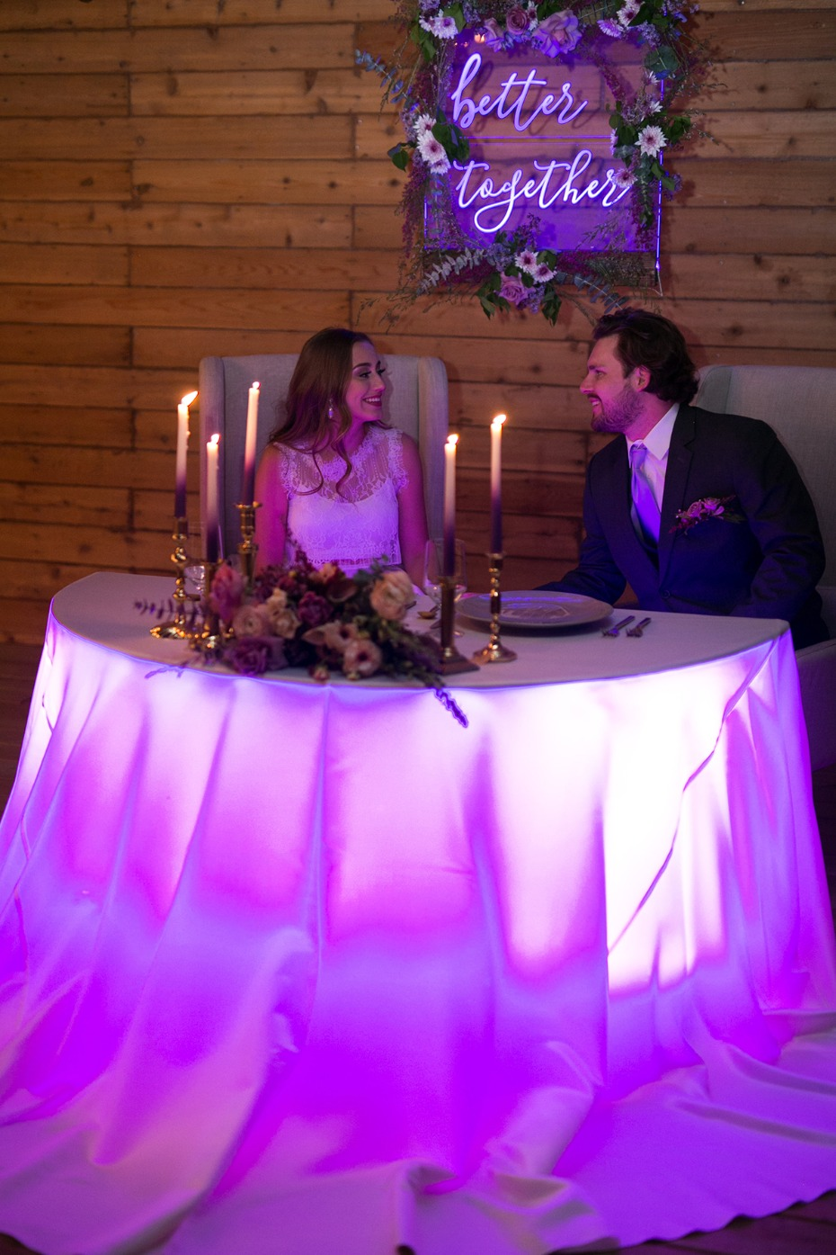 glow in the dark sweetheart table