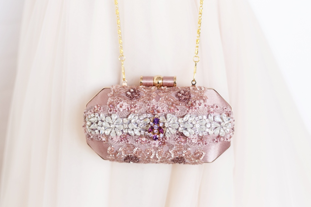 Pretty in Pink the perfect bridesmaids clutches.