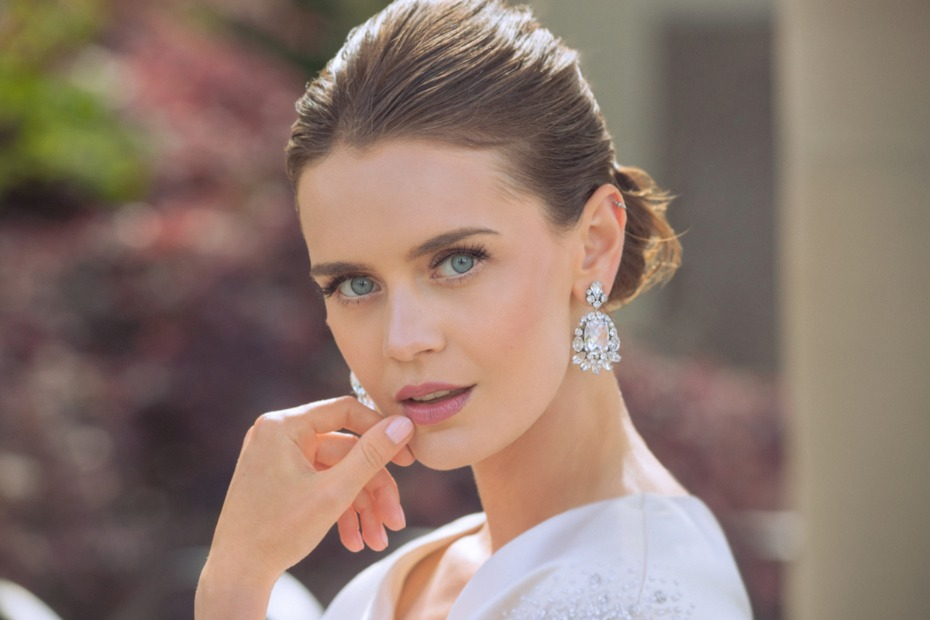 How to Pick the Perfect Pair of Bridal Earrings