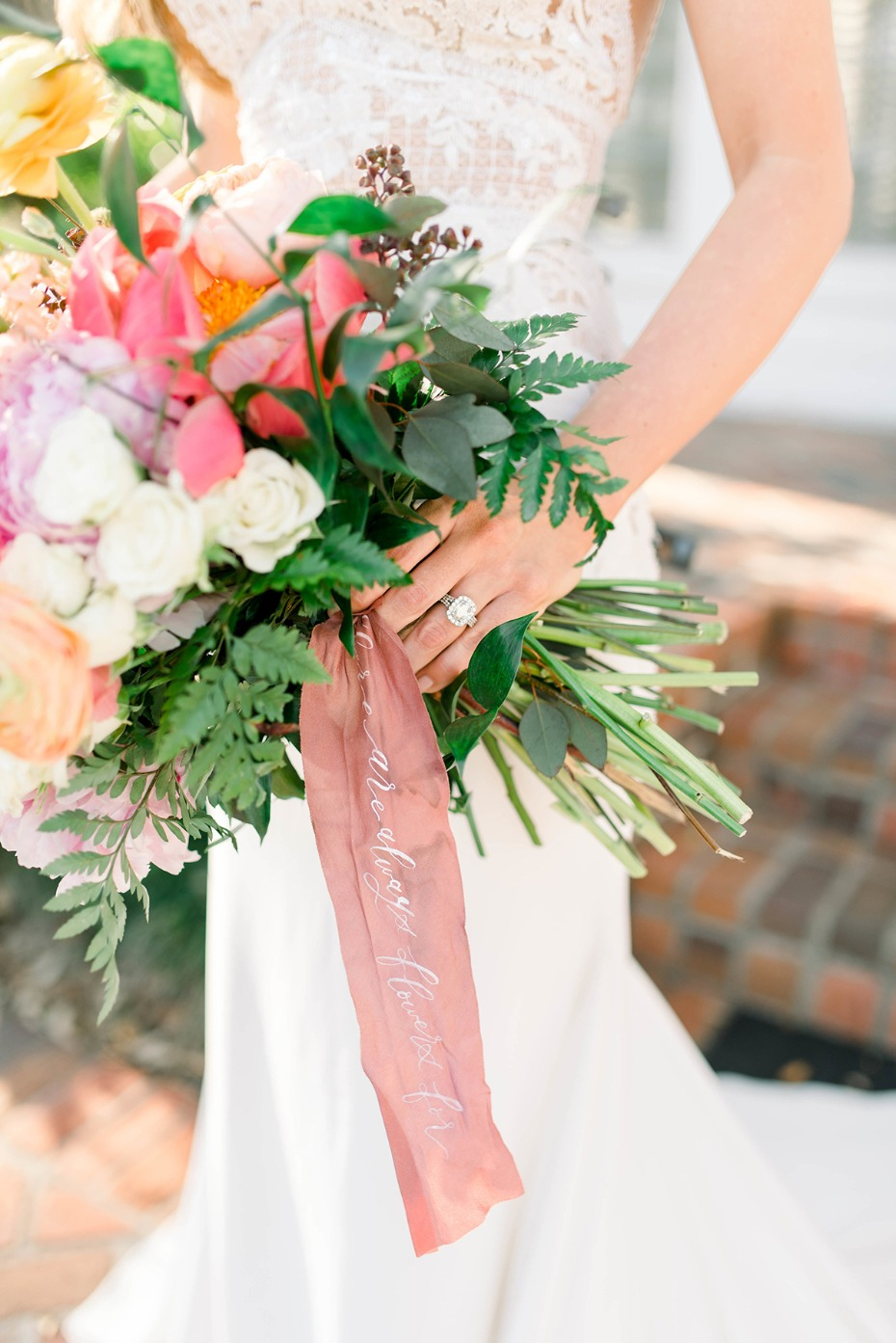 wedding bouquet ribbon wrap