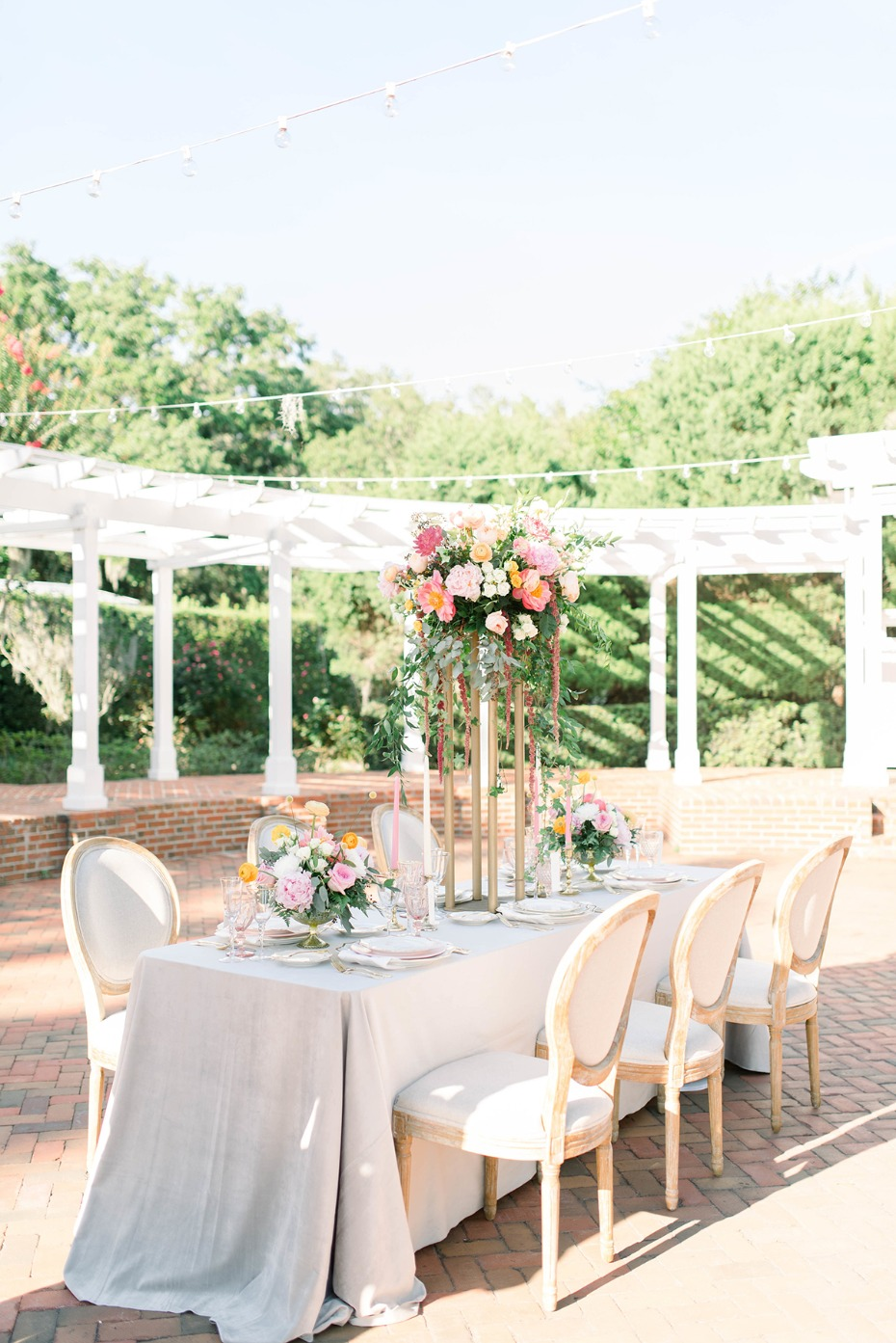 wedding table idea for your summer wedding