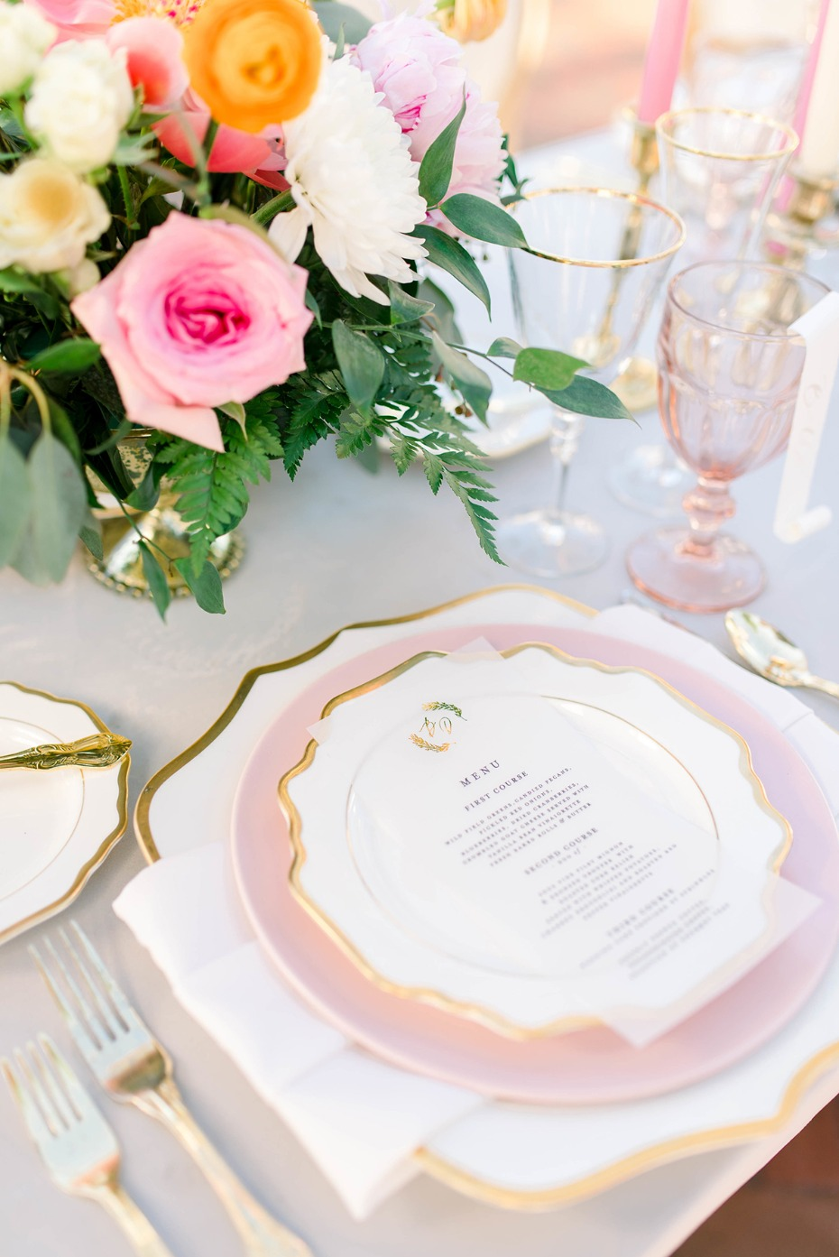 soft pink and gold wedding place setting