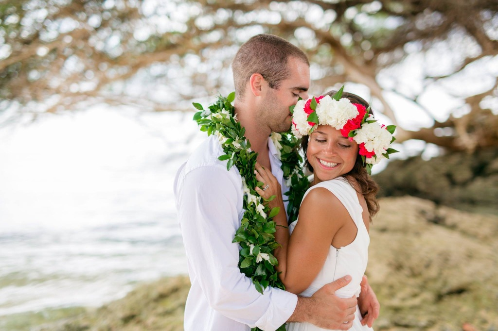 Can't go wrong with a Haku Lei (Floral Crown) on your wedding day!