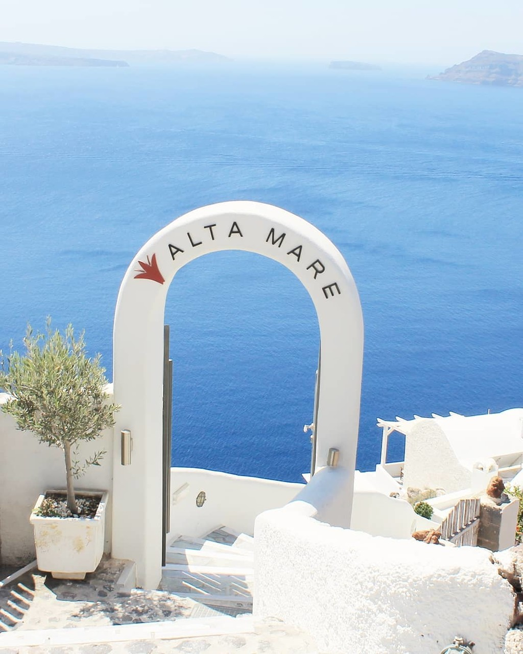 ▪That blue,that white. Santorini is always a perfect choice for your event. Best memories ever▪
