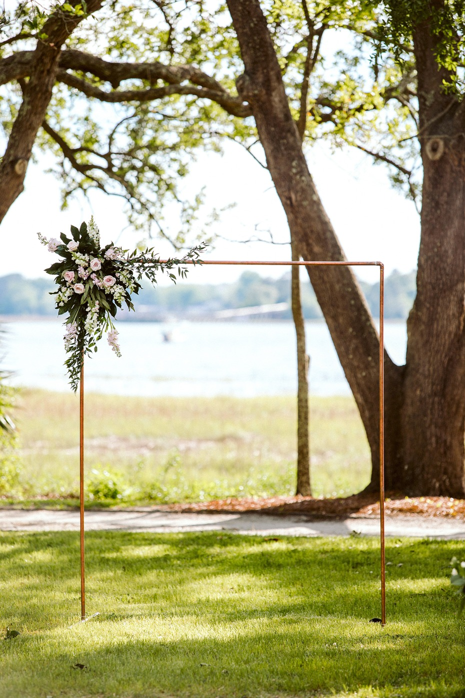 simple and elegant wedding arch