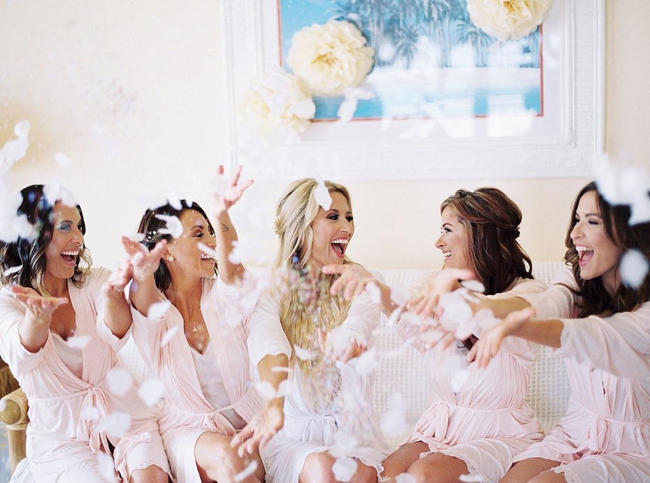 cute and fun bridal party photo op