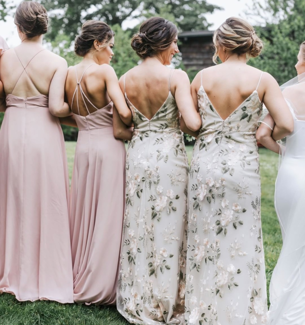 when the back of your dress is just as pretty as the front 😜 gorgeous #realbridesmaids in our kayla #jyckayla and julianna #jycjulianna