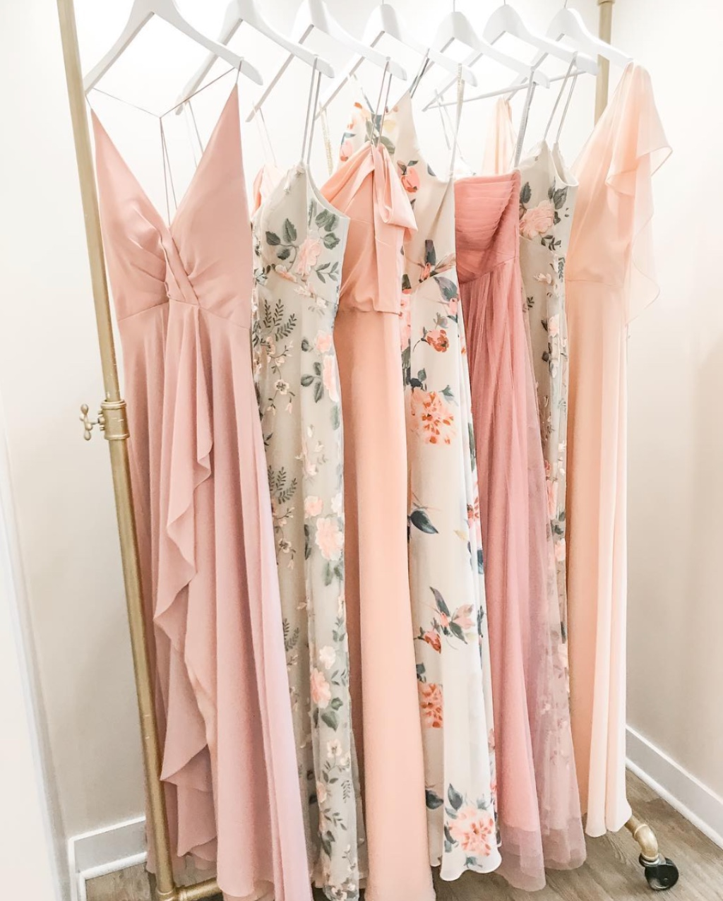 mixing prints, yay or nay? 💘 click for details! #jennyyoobridesmaids #jennyyoo
