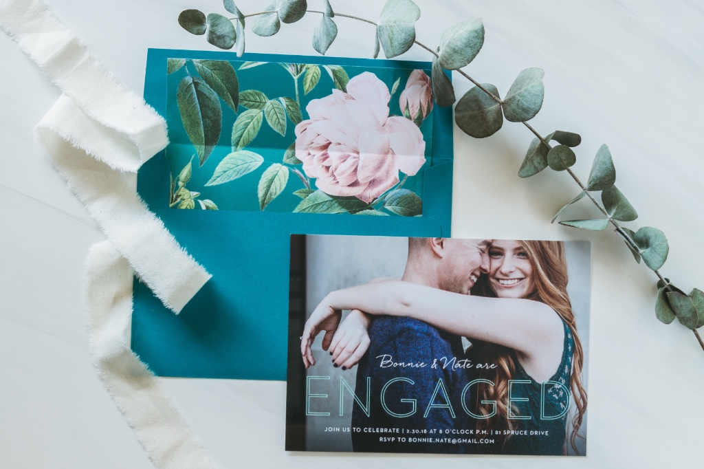 A matching color scheme is super easy with 180 custom colors and 40 envelope choices.