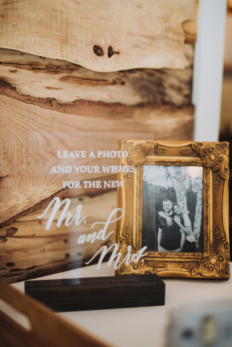 leave a photo guestbook table