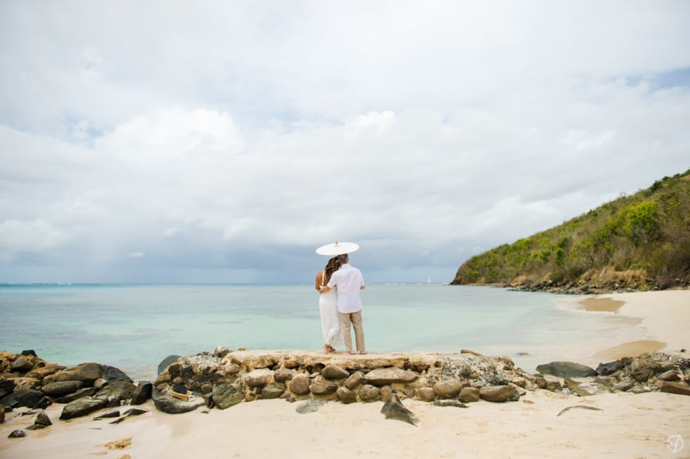 Intimate elopement in Flamenco Beach, Culebra. Say I Do in Puerto Rico!