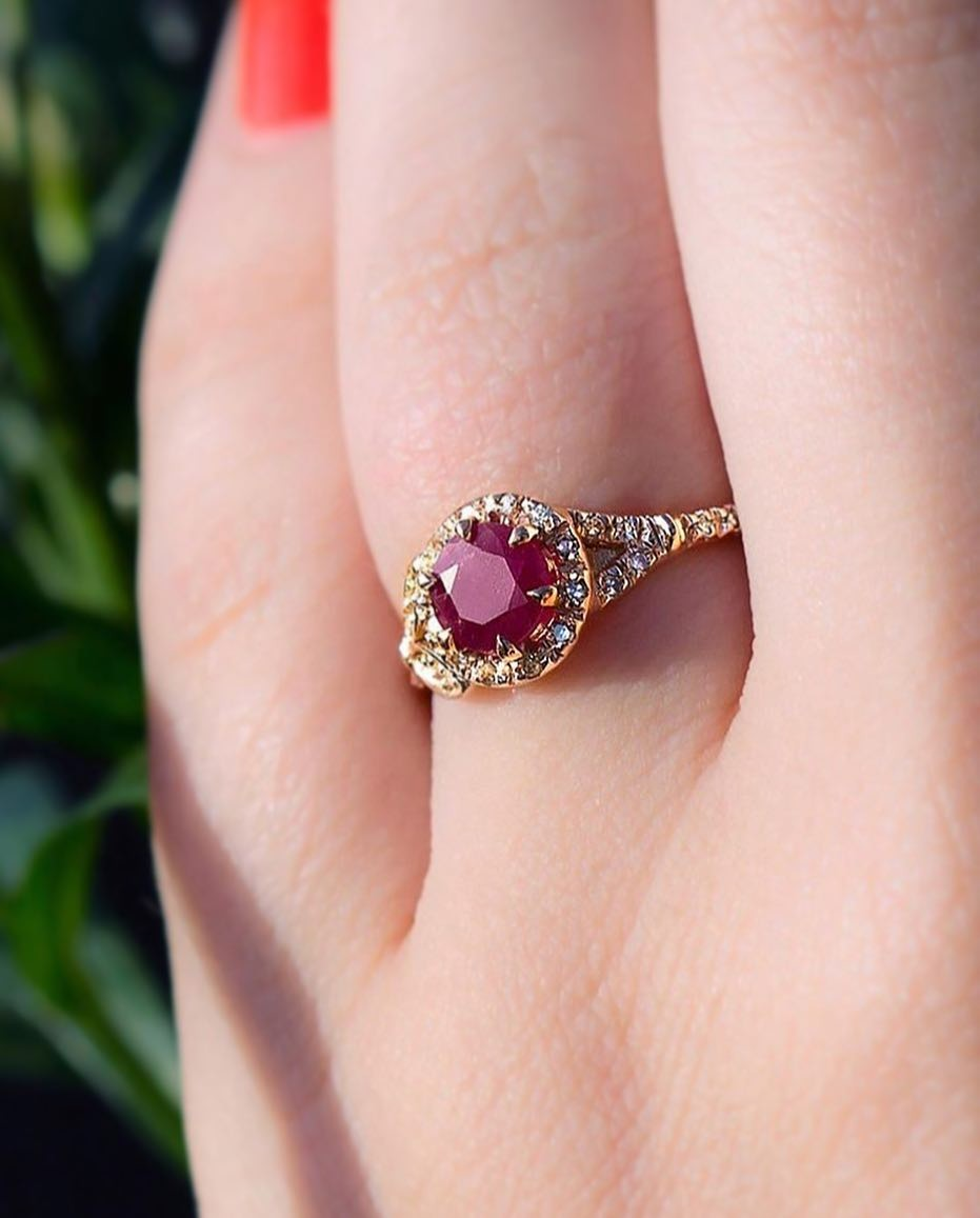❤️💥Is there anything better then a ruby? How about an American Mined Ruby from Wyoming set in a handmade recycled rose gold