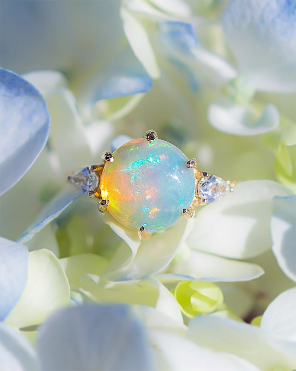 🌟🌈💫 Back in NYC ☺️✨💫 living for this opal and planning to shoot some new rings this week for the website! Is there