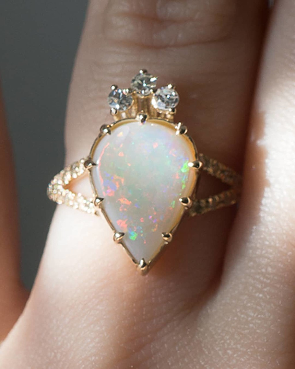 ❤️👑🔥⚡️️🌞✨💫Made with the utmost care and love we are so excited to share our Estelle Australian Opal Ring