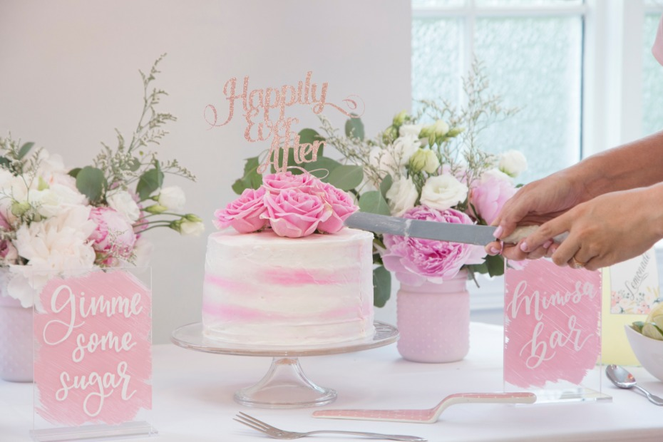 white and pink weddding cake