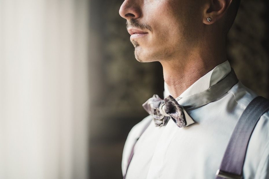 groom in bow tie
