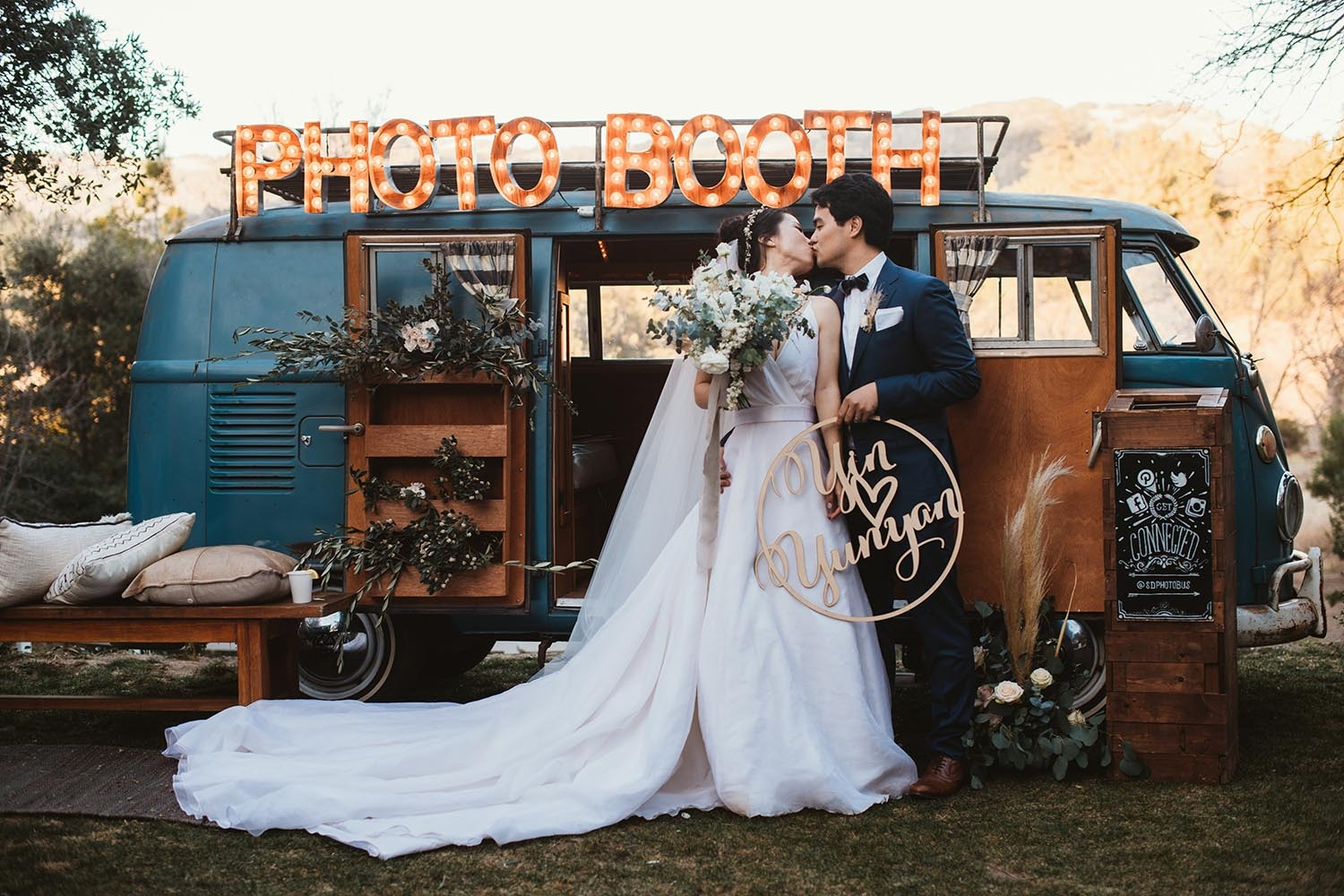 wedding photobooth bus