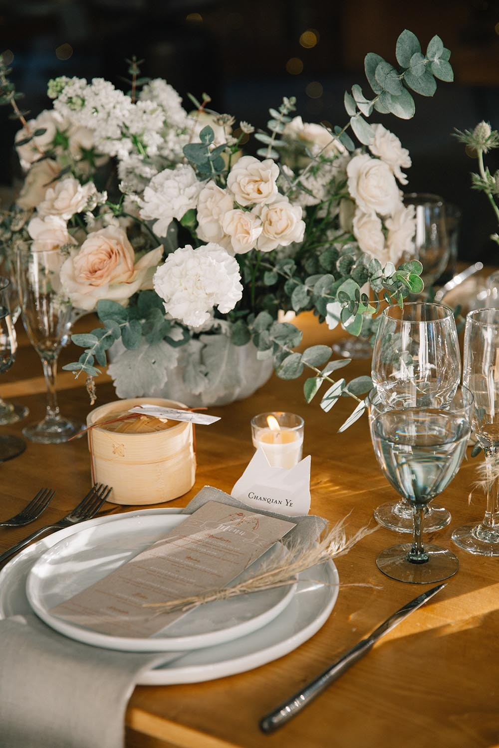 elegant neutral tone wedding table decor