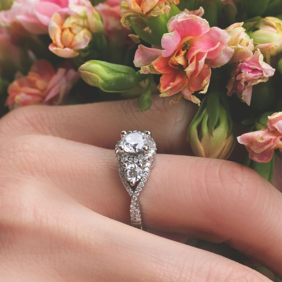 7 Vintage Style Engagement Rings From MiaDonna That Rock