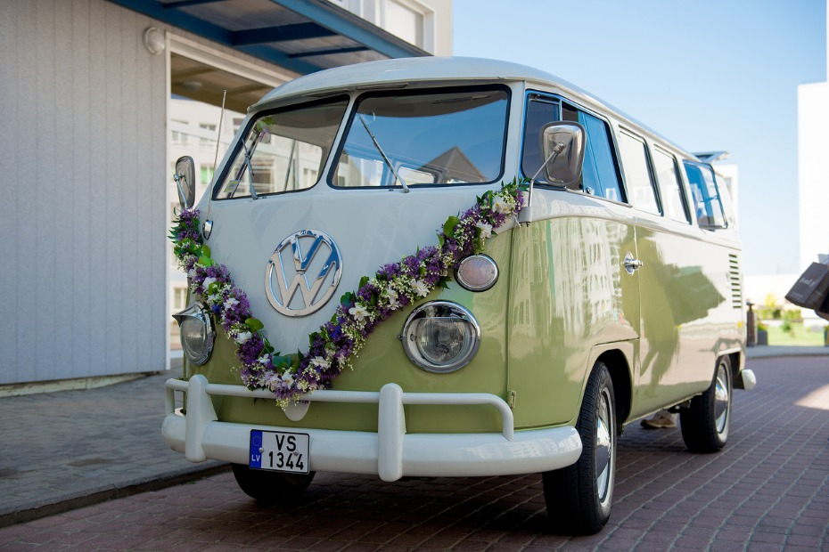 How to Make Your Wedding Transportation Easy and Stress-Free