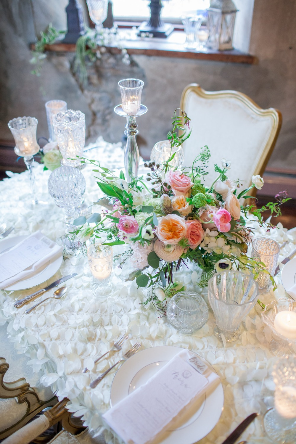 glamorous romantic table decor