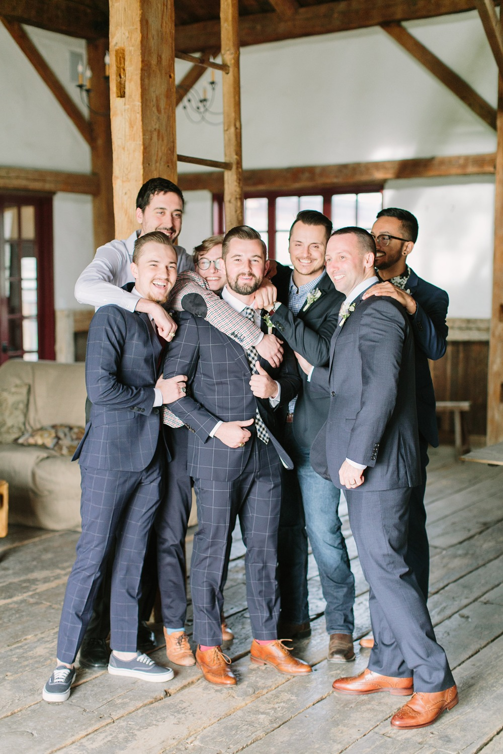 mismatched groomsmen style