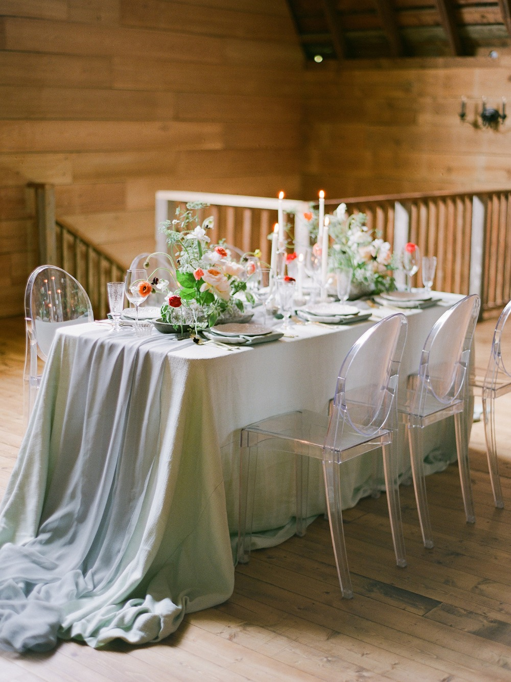 romantic modern shabby chic wedding table